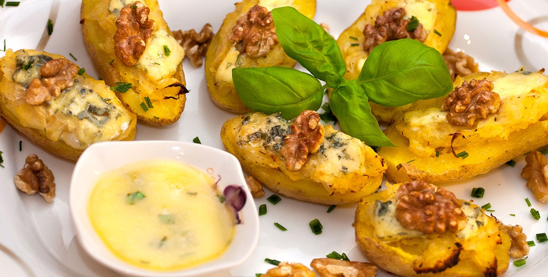Ofenkartoffeln mit Sauerkraut-Blauschimmelkäse Füllung
