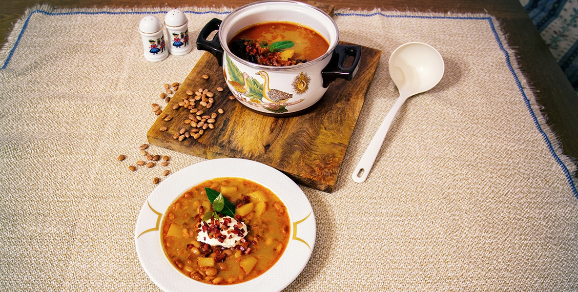 Hearty dried bean goulash soup
