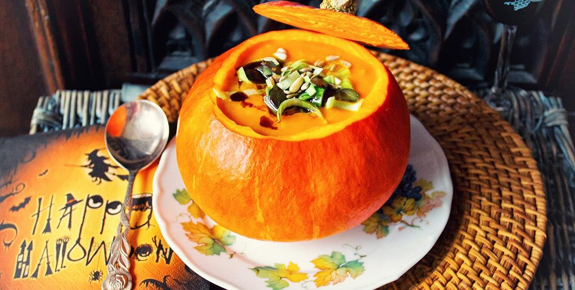 light pumpkin-leek soup